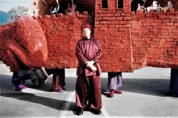 Mulan Parade rope carrier