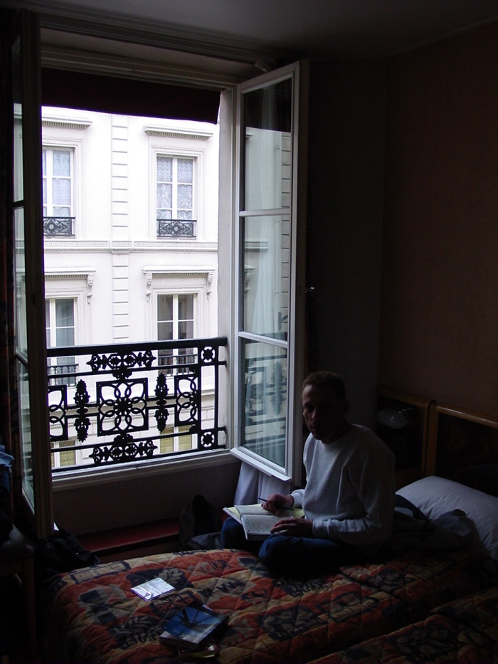 HOTEL003